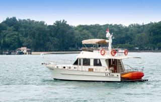 Le Tara yacht side view